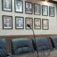 Photo taken at Gedung Dekanat Fakultas Teknik by Antariksa S. on 5/16/2016