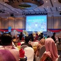 Photo taken at Dewan Seri Siantan by MaLiiik K. on 12/16/2012