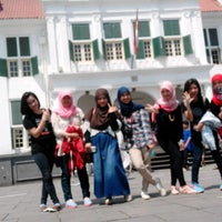 Photo taken at Museum Kota Tua by Rossi S. on 5/5/2015