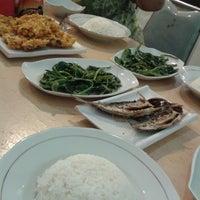 Photo taken at Raja Oci Restaurant by Icha I. on 2/4/2014