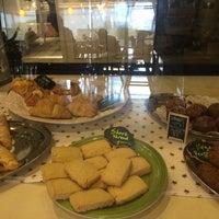 Photo taken at Starbucks by Janet G. on 8/12/2016