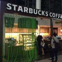 Photo taken at Starbucks Coffee 関西国際空港エアサイド店 by ใหม่ A. on 7/13/2013