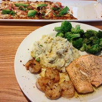 Photo taken at Chili's Grill & Bar by Victor F. on 7/18/2013