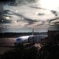 Photo taken at Aeropuerto Internacional Silvio Pettirossi (ASU) by Sir Chandler on 9/22/2012