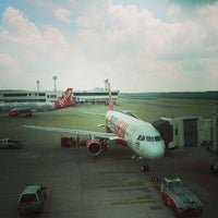 Photo taken at Don Mueang International Airport (DMK) by Issara on 7/5/2013