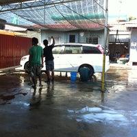 Photo taken at DIC Car Wash by Hananra on 4/16/2013