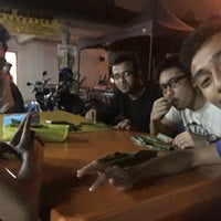 Photo taken at Awe Tomyam & Seafood by Faizul A. on 9/8/2016