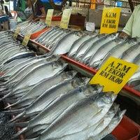 Photo taken at Sunday Market (Pasar Minggu Satok) by Ad M. on 10/20/2012