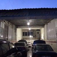 Photo taken at Şahan oto elektrik by O on 2/20/2014