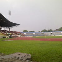 Photo taken at Stadion Manahan by donni j. on 12/5/2012