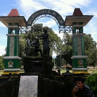 Photo taken at Alun - Alun Banjarnegara by Widhany P. on 1/28/2013