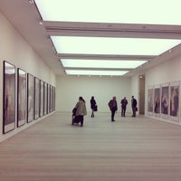 Photo taken at Saatchi Gallery by ssung C. on 5/21/2013