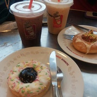 Photo taken at Dunkin Donuts by Ani W. on 3/2/2014