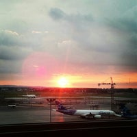 Photo taken at Montreal Airport Marriott In-Terminal Hotel by Brent H. on 7/27/2012