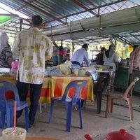 Photo taken at Gerai Pak Halim by Asrif R. on 2/16/2012