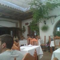 Photo taken at Restaurante Blanco y verde by Pablo E. on 8/5/2012