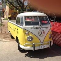 Photo taken at Mellow Johnny's by pascallibens🚲® on 3/30/2012