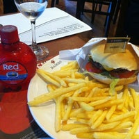 Photo taken at Madero Burger & Grill by Simone P. on 9/5/2012
