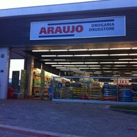 Photo taken at Drogaria Araujo by Tatiane M. on 5/13/2012