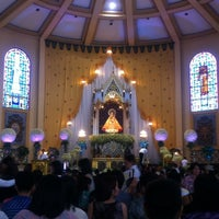 Photo taken at National Shrine of Our Lady of the Holy Rosary of La Naval de Manila (Sto. Domingo Church) by KC A. on 10/13/2013