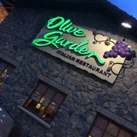 Photo taken at Olive Garden by Carlos G. on 4/5/2014