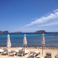 Photo taken at La Jacaranda Lounge Ibiza by Alix v. on 7/20/2014