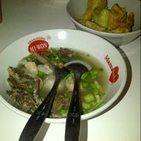 Photo taken at Bakso Kikil Seruni by Ranti Oktasari on 12/23/2012