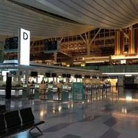 Photo taken at HND International Terminal by TaKa on 5/8/2013