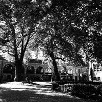 Photo taken at St Marylebone Parish Church Gardens by Rob S. on 5/16/2014