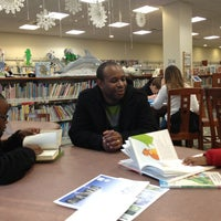 Photo taken at Huntington Public Library by Melisa Chioma R. on 1/6/2013