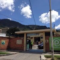 Photo taken at Fundacion Universitaria CIEO | UniCIEO by Mil e Uma Viagens (. on 1/28/2014