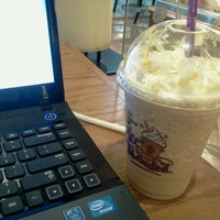 Photo taken at The Coffee Bean & Tea Leaf by Jared Dale C. on 5/25/2013