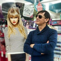 Photo taken at Walgreens by Вадим Т. on 11/16/2012