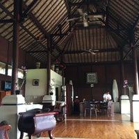 Photo taken at Kupu Kupu Barong Resort And Tree Spa by miss wang W. on 11/27/2016