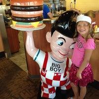 Photo taken at Big Boy by Stan W. on 8/5/2013
