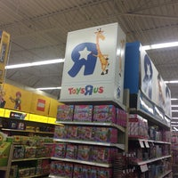 "Photo taken at Toys""R""Us by Dolores J. on 11/5/2016"