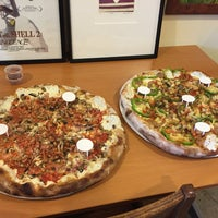 Photo taken at Brooklyn's Brick Oven Pizzeria by Juno Y. on 5/30/2015