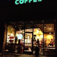 Photo taken at Starbucks by ECrab 🌐🌎🌐 on 11/24/2012