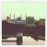 Photo taken at Perbadanan Perpustakaan Awam Selangor (PPAS) by Farhani M. on 10/15/2012