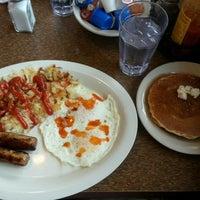 Photo taken at Cozy Corner Restaurant & Pancake House by Bee G. on 8/7/2014