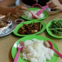 Photo taken at Tang City Food Court 唐城美食中心 by Robert K. on 9/5/2016