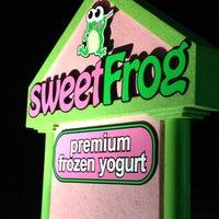 Photo taken at Sweet Frog Frozen Yogurt by Kristin K. on 8/18/2013