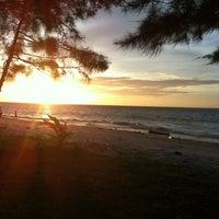 Photo taken at Layang-layangan Beach by ซูซานน OldtOken on 1/21/2013