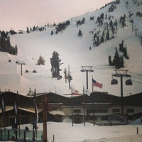 Photo taken at Mammoth Mountain Ski Resort by Sara H. on 1/8/2013