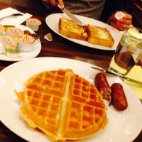 Photo taken at Manhattan Diner by Isaac S. on 1/9/2014