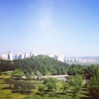 Photo taken at 포항공과대학교 Rist3동 by Moo Yeol L. on 5/13/2014