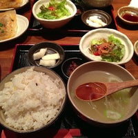 Photo taken at 赤坂ちびすけ 新宿店 by Keiko on 11/29/2013