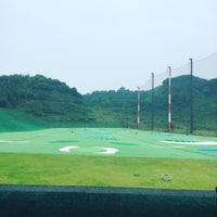 Photo taken at 博多金の隈ゴルフヒルズ by Takamasa H. on 9/25/2016