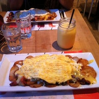 Photo taken at L'Oeufrier by Bellydoll on 11/22/2014
