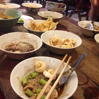 Photo taken at Rue Thong Boat Noodle by Peeraya B. on 10/13/2016